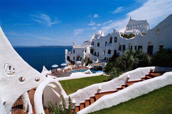Casa Pueblo Club Hotel. Punta del Este, Uruguay. Puede reservarlo con la Agencia de Viajes ATN Travel Services.