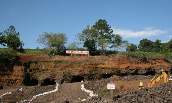 Cataratas del Iguazú con Ruinas de San Ignacio y Minas de Wanda